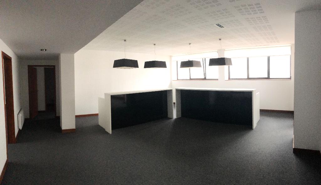Bureaux Brest 20 pièce(s) 560 m2