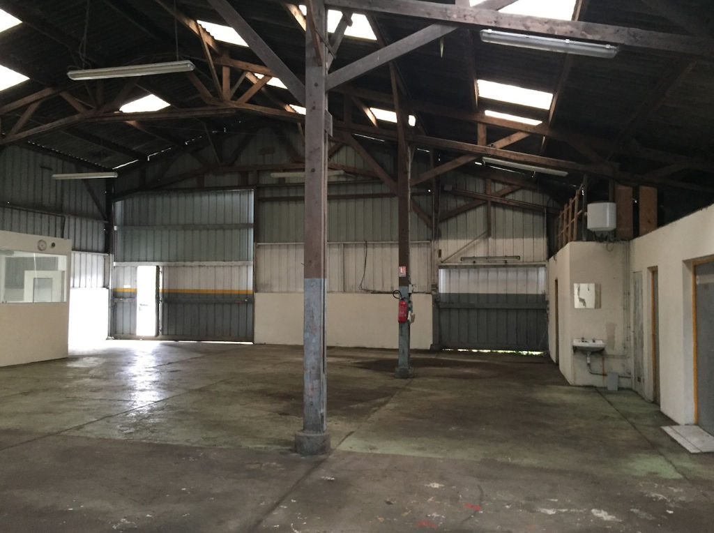 Entrepôt / local industriel Saint Urbain 420 m2