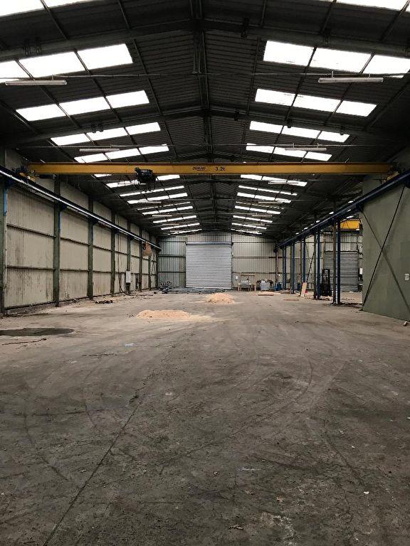 Entrepôt / local industriel Gouesnou 3700 m2
