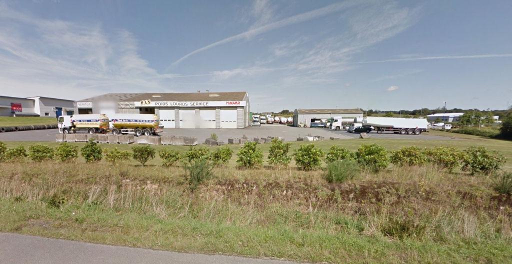 Entrepôt / local industriel Landivisiau 1800 m2