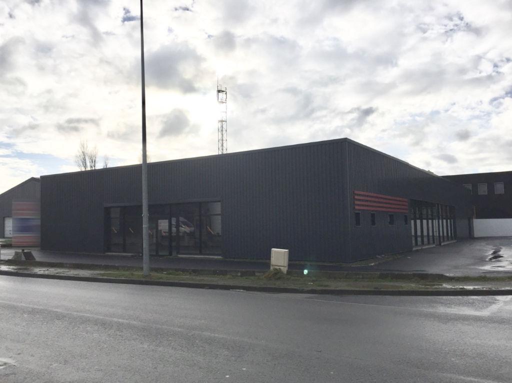 Entrepôt / local industriel  280 m2