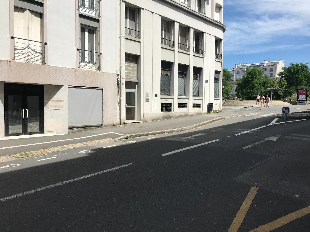 Local commercial Brest 5 pièce(s) 140 m2
