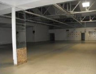 Brest - local commercial 1076 m2 4/5