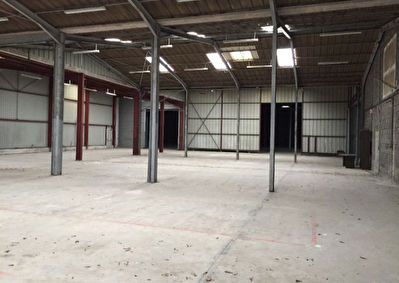 Local commercial  1000 m2 4/6