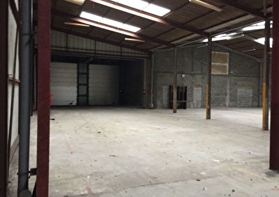 Local commercial  1000 m2 5/6
