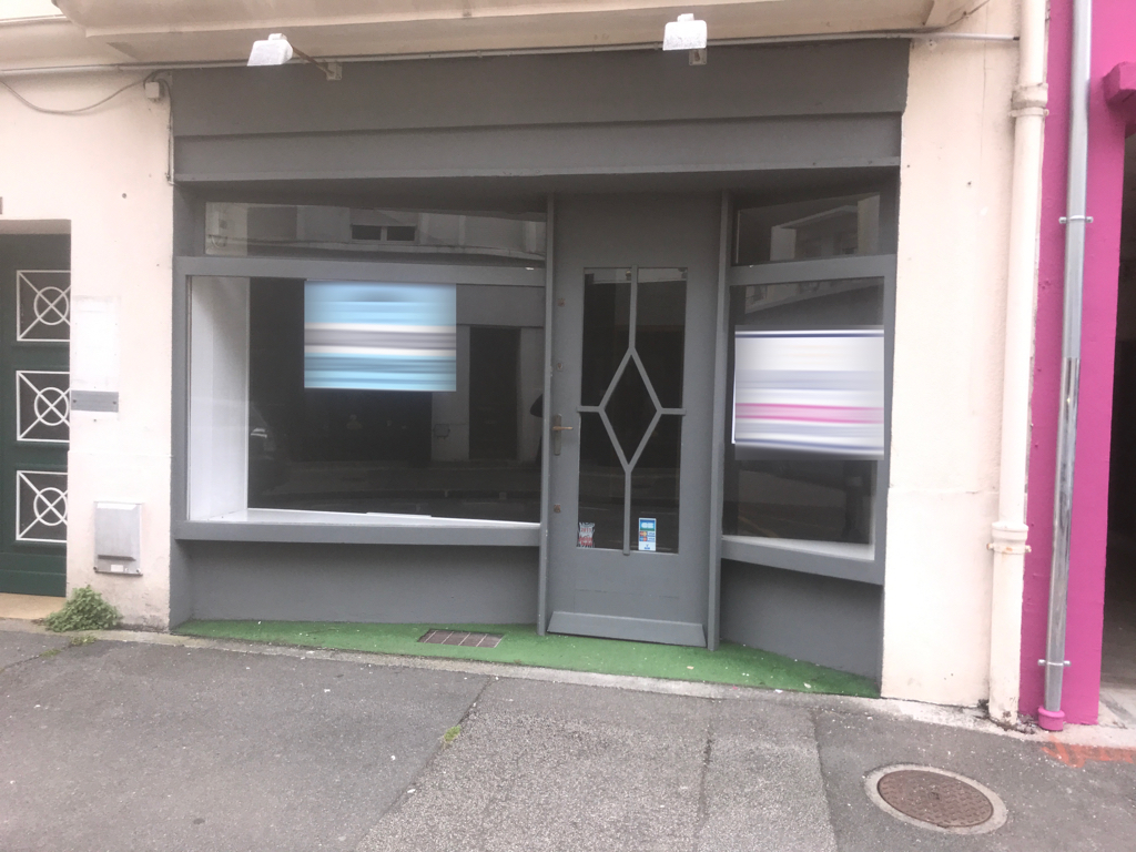 Local commercial Brest environ 35 m2 triangle d'or (restauration possible). 1/3